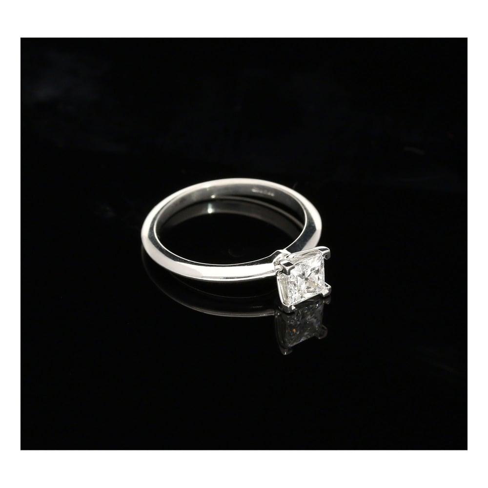 Milton s Secondhand 0 73ct Diamond Platinum Engagement Ring