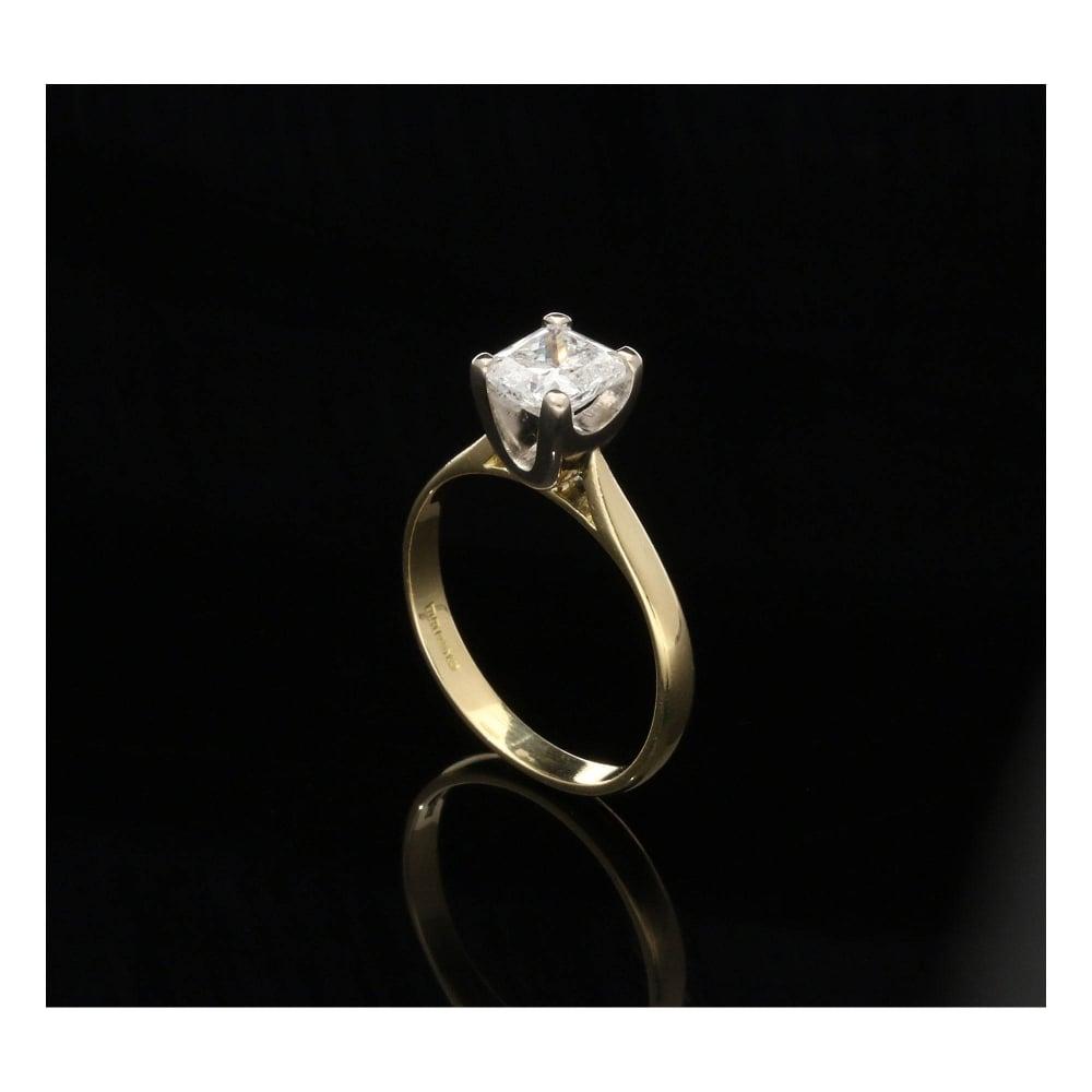 Milton s Secondhand 1 07ct Diamond Radiant Cut Engagement Ring