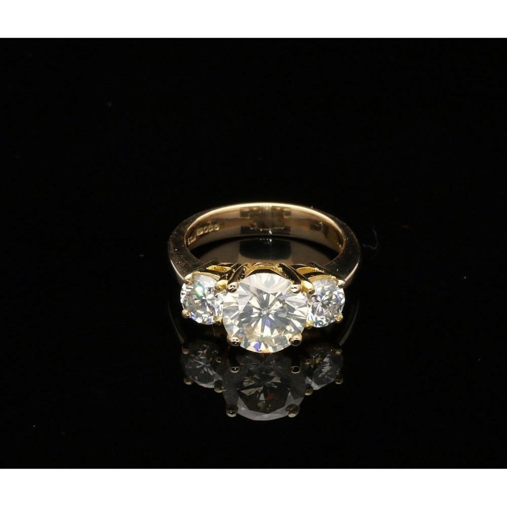 14ct Yellow Gold Three Stone Diamond Ring 3 05ct