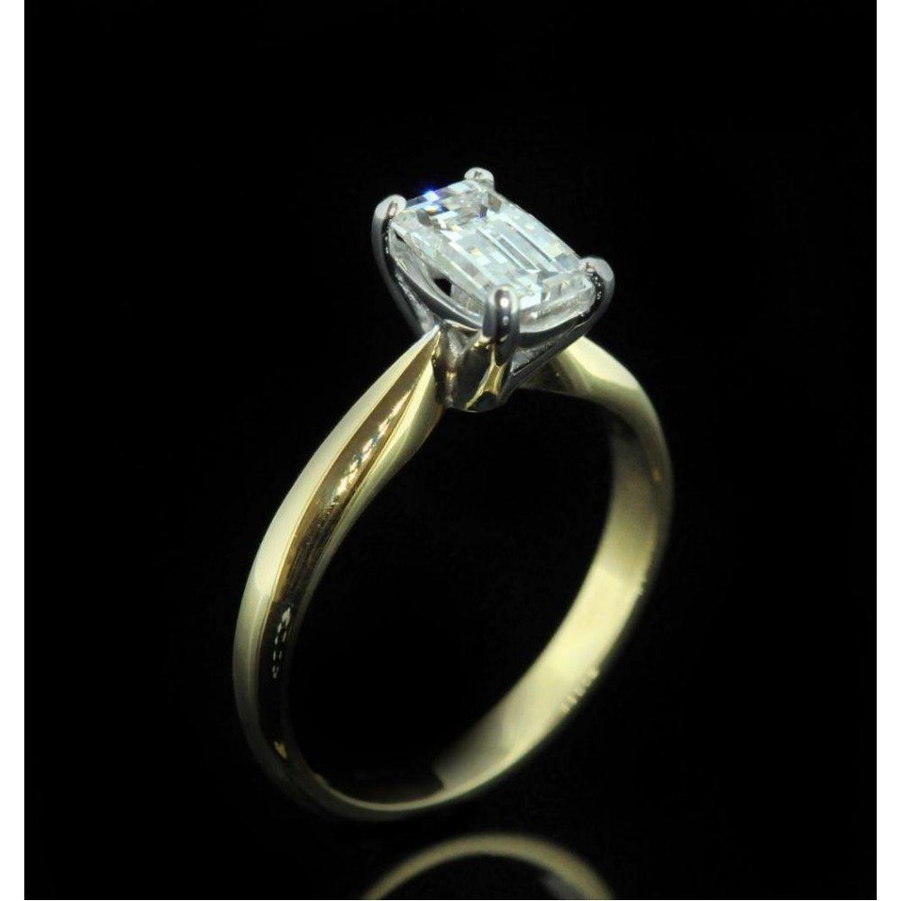 Second Hand 18ct Yellow Gold Millenium Cut Diamond Engagement Ring