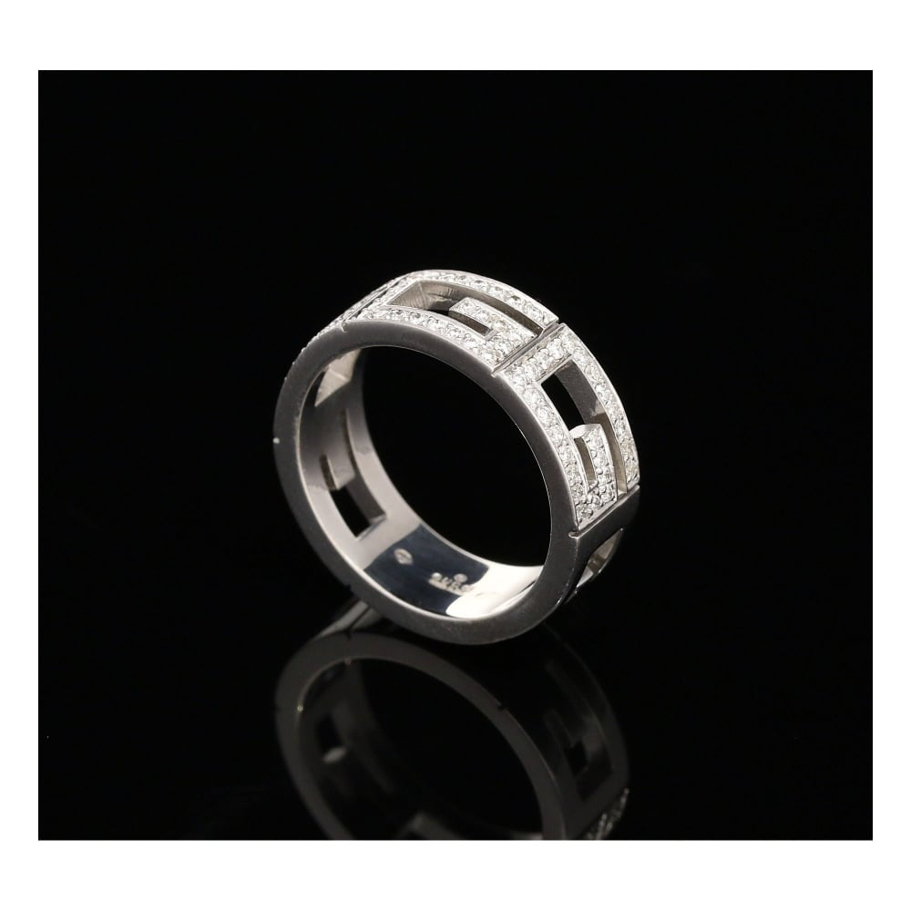 milton s secondhand 18ct white gold 0 72ct gucci ring