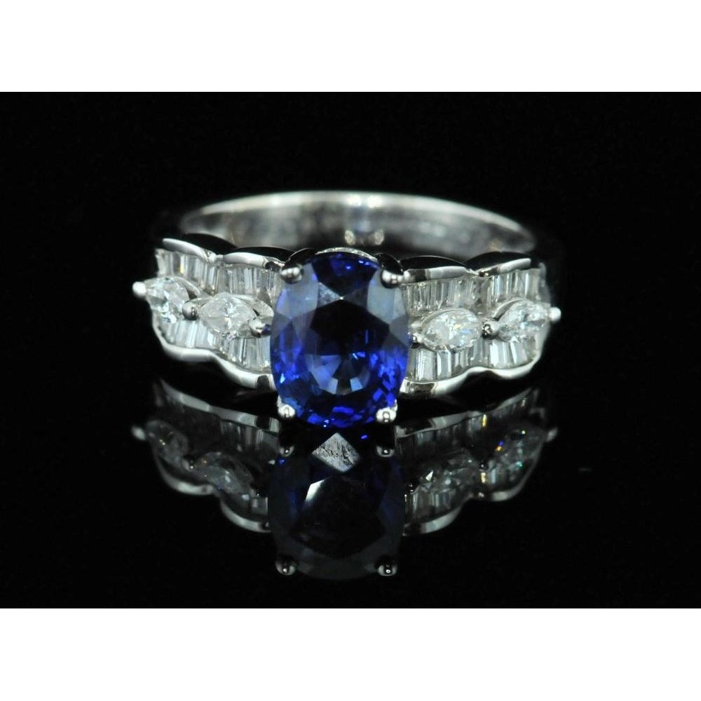 pre owned 18ct white gold and sapphire ring