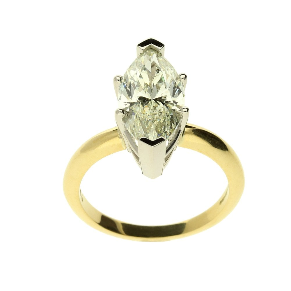 12458 2: 18ct Yellow Gold Large Marquise Cut Diamond Ring