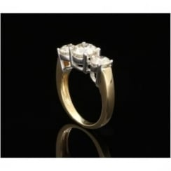 Ladies 3 stone 18ct Yellow Gold 3.05ct Diamond Ring