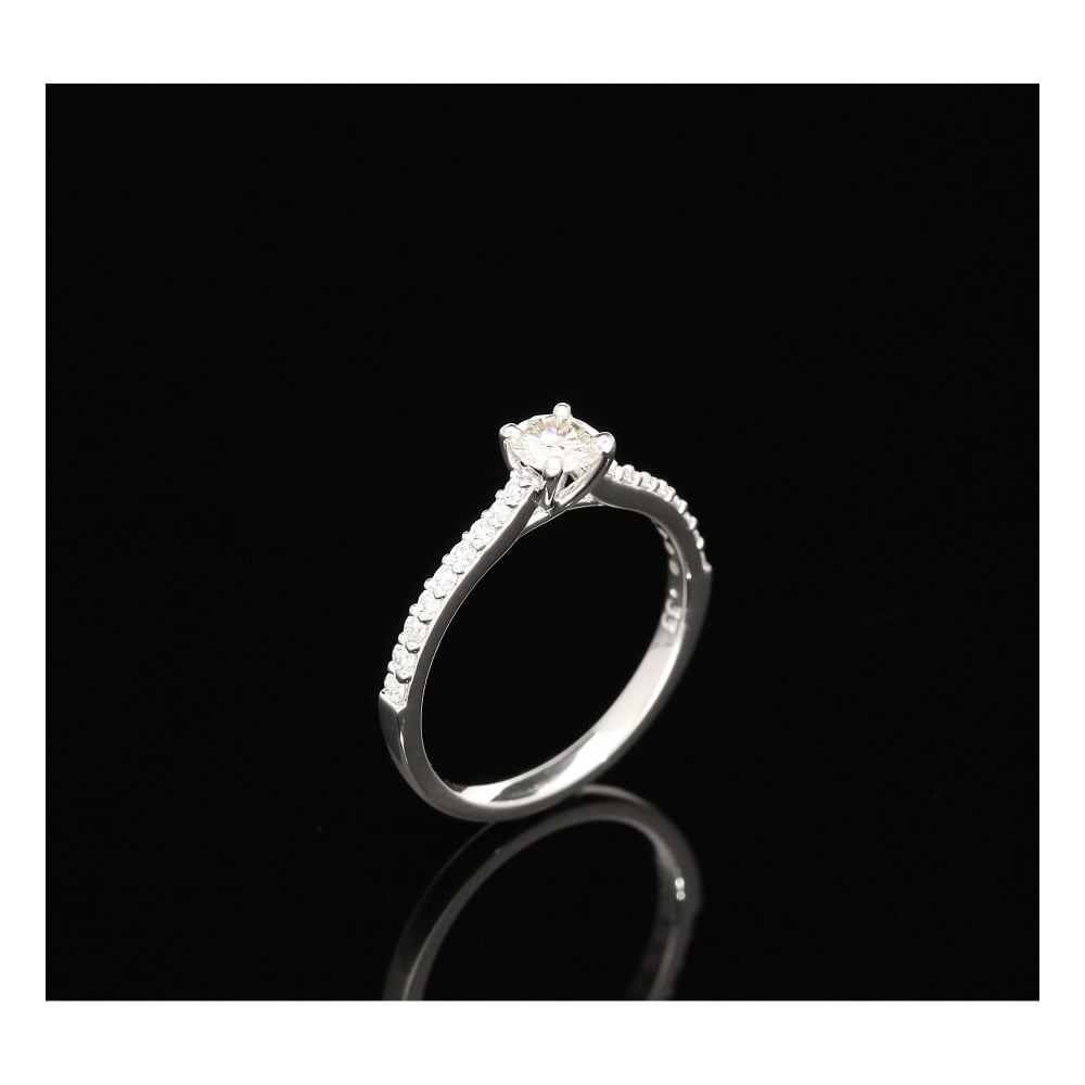 Secondhand Platinum Diamond Engagement Ring Diamond