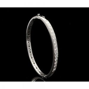 18ct-white-gold-diamond-bangle-2-50ct-p1189-2958_image